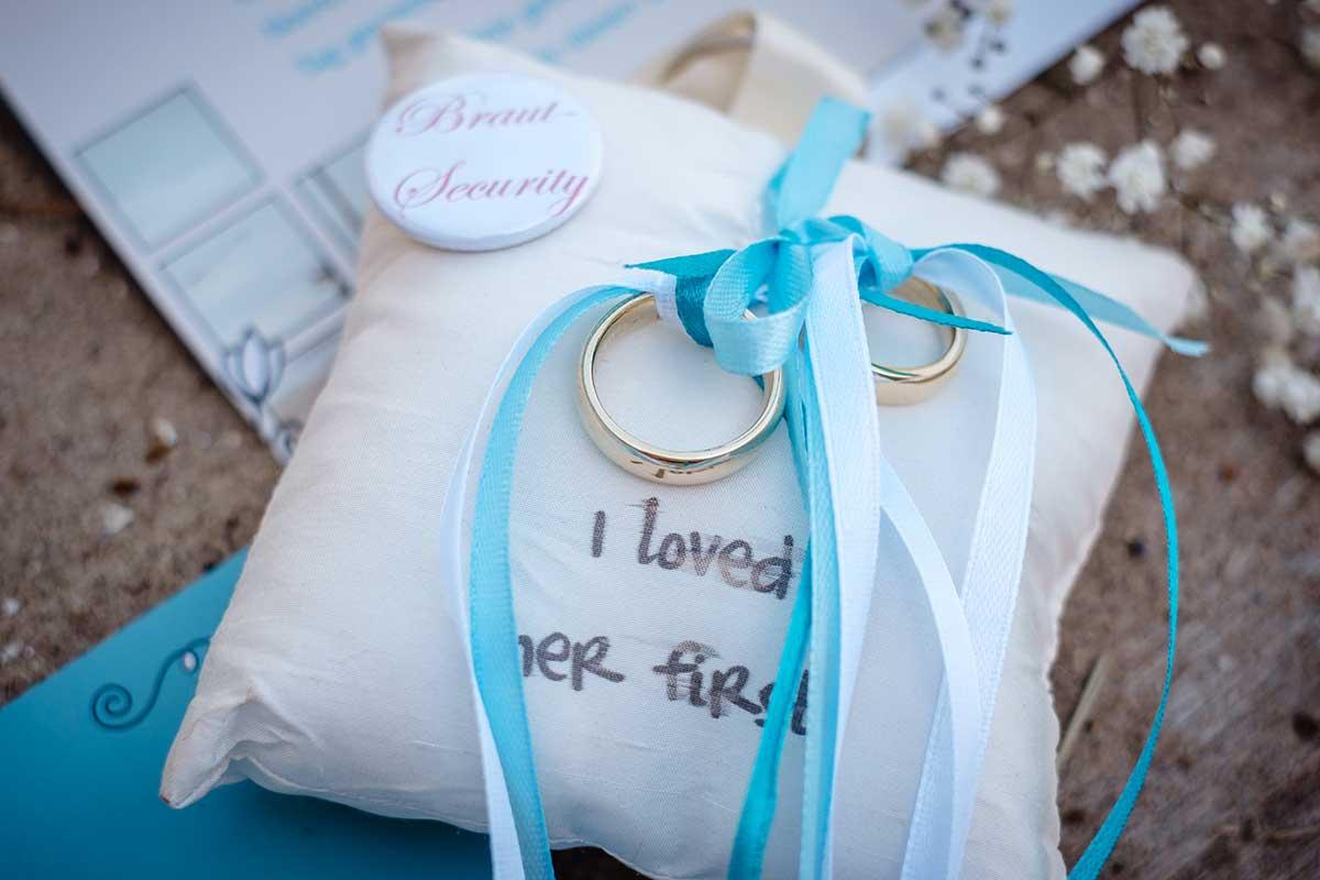 Ringkissen passend zur martimen Hochzeit