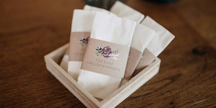 Banderolen für Freudentränen-Taschentücher