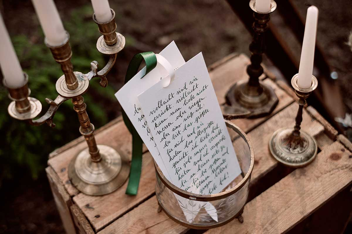 Eheversprechen auf Papier geschrieben