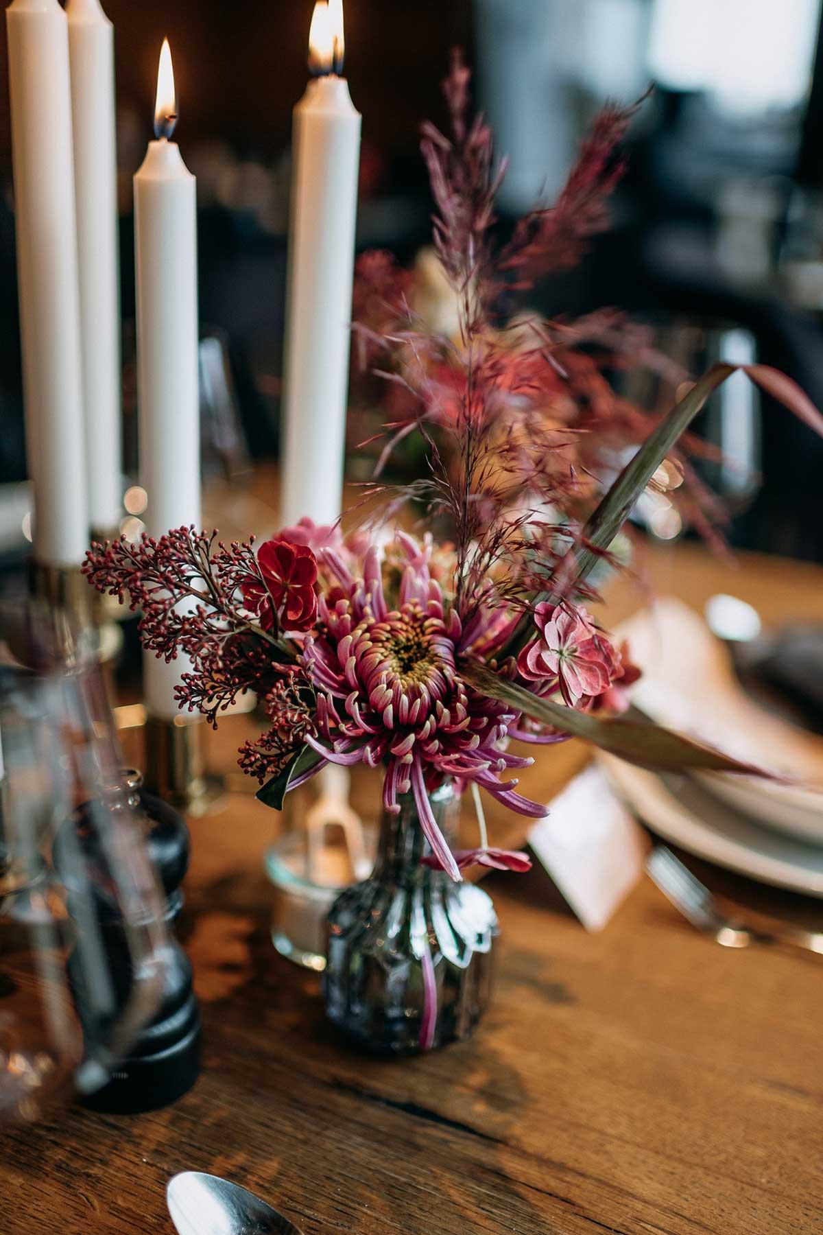 Tischdeko mit pinken und Suchergebnisse Webergebnisse Bordeauxrot farbenen Blumen