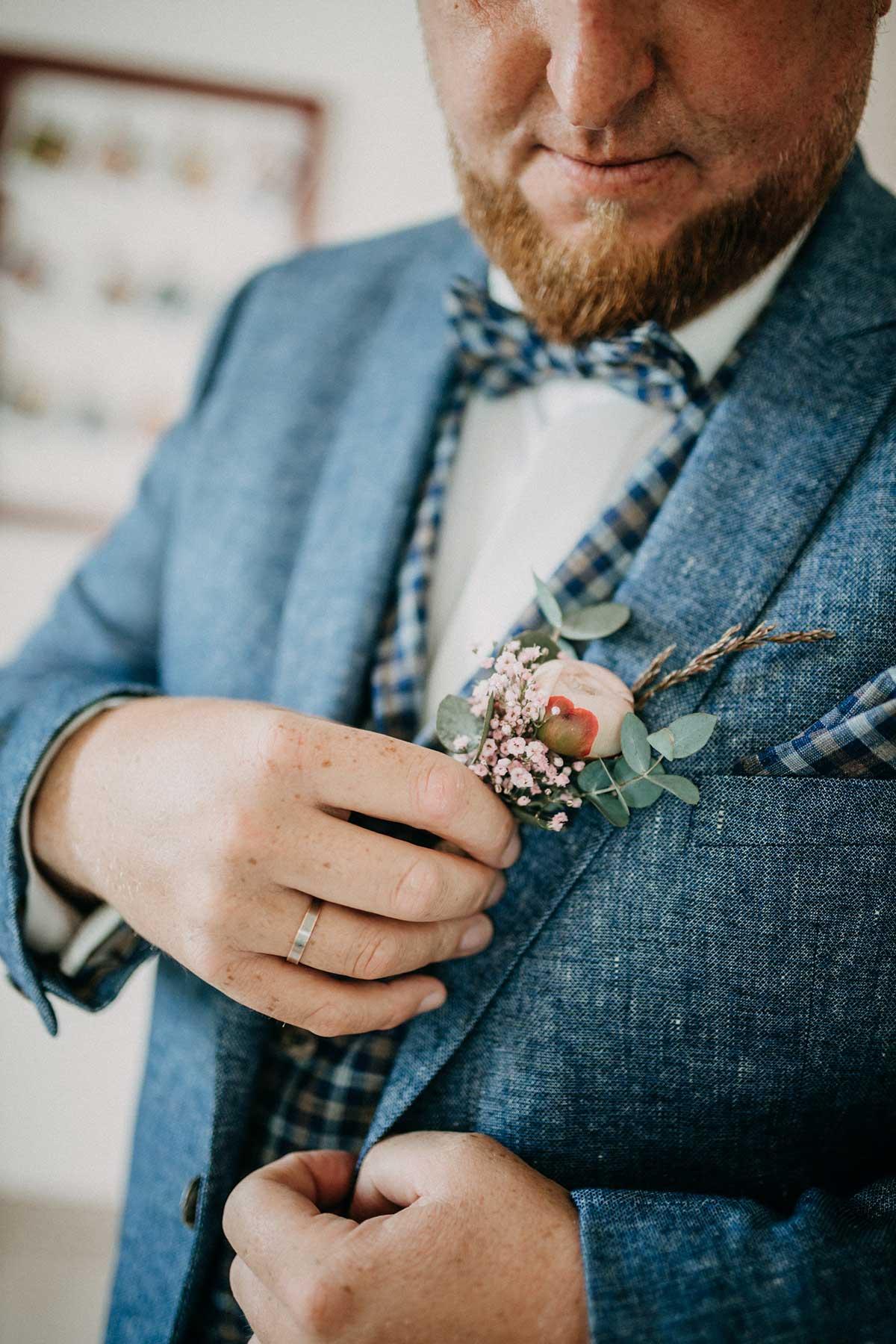 Ansteckblume für den Bräutigam