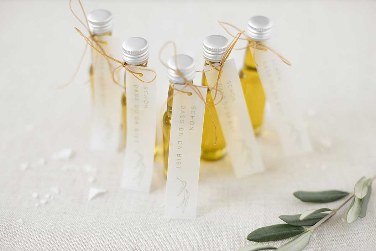 Gastgeschenk bei der Hochzeit in Gelb und Weiß