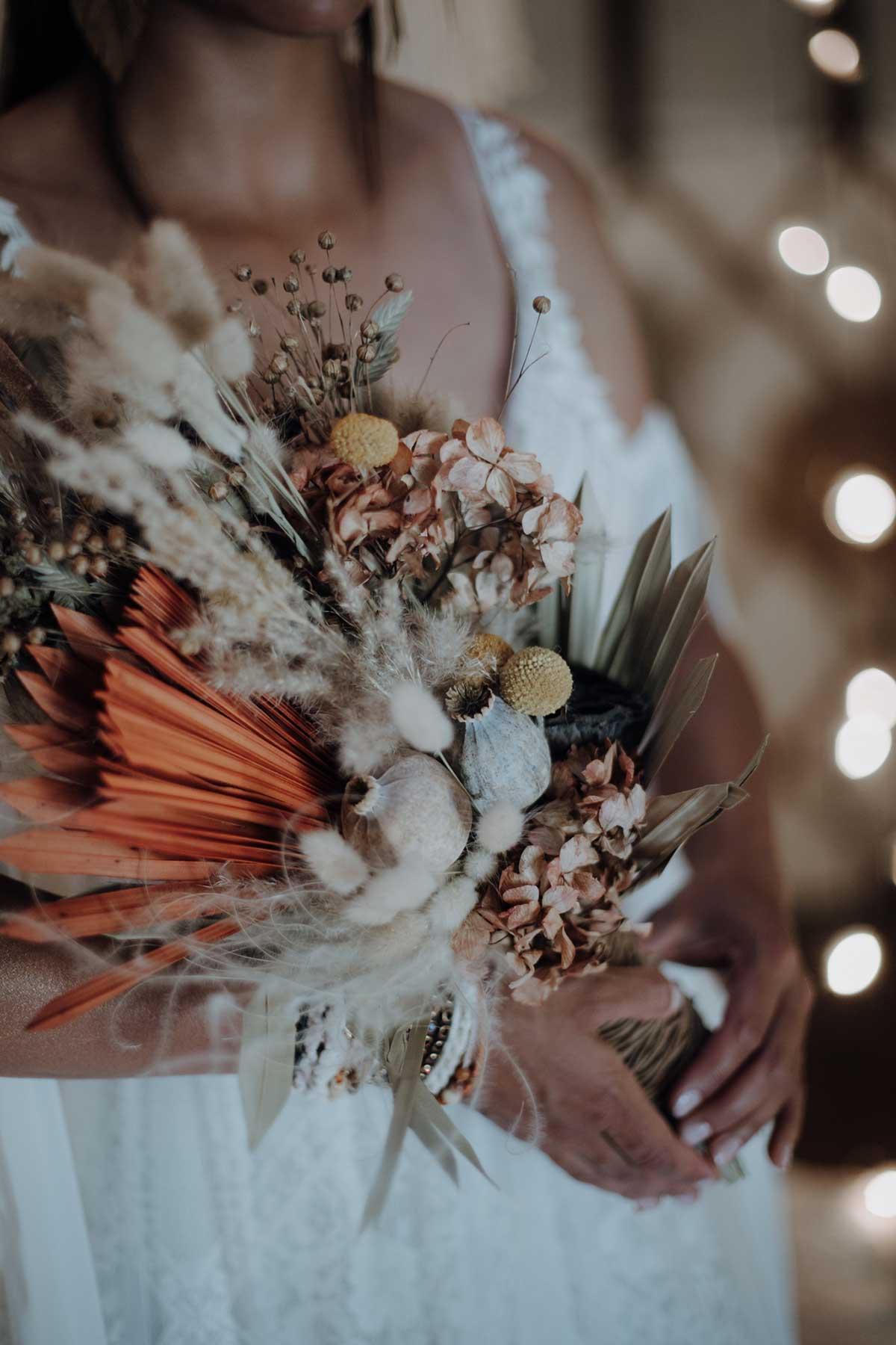 Brautstrauß passend zu einer Ethno-Chic Hochzeit