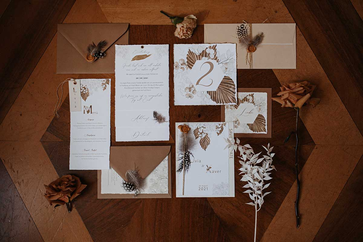 Papeterie zur Hochzeit zarten Creme -und Brauntönen