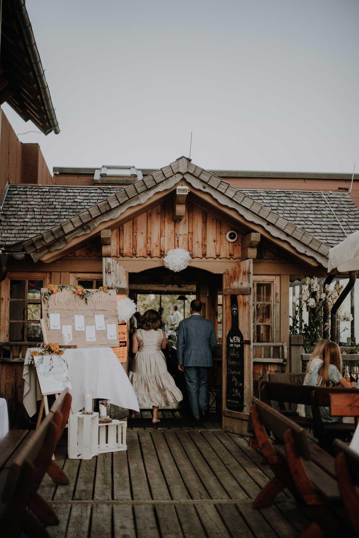 Eingang zur Hochzeitsfeier
