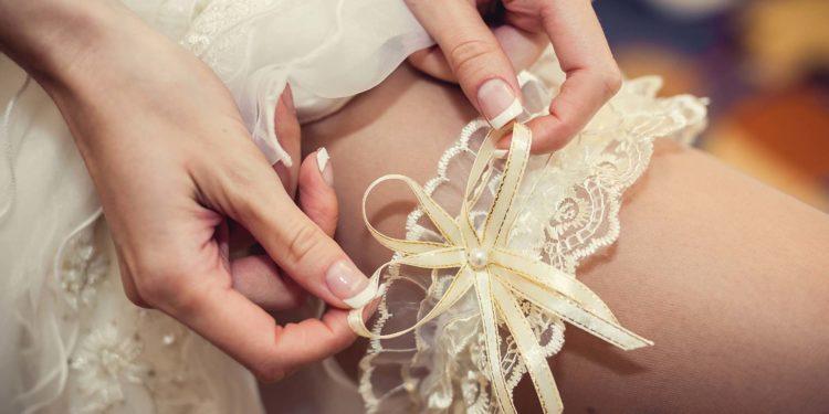 Strumpfband für die Braut: Unsere Übersicht
