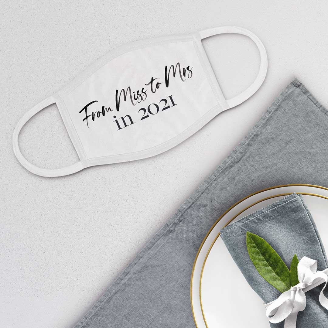 Gesichtsmaske für die zukünftige Braut