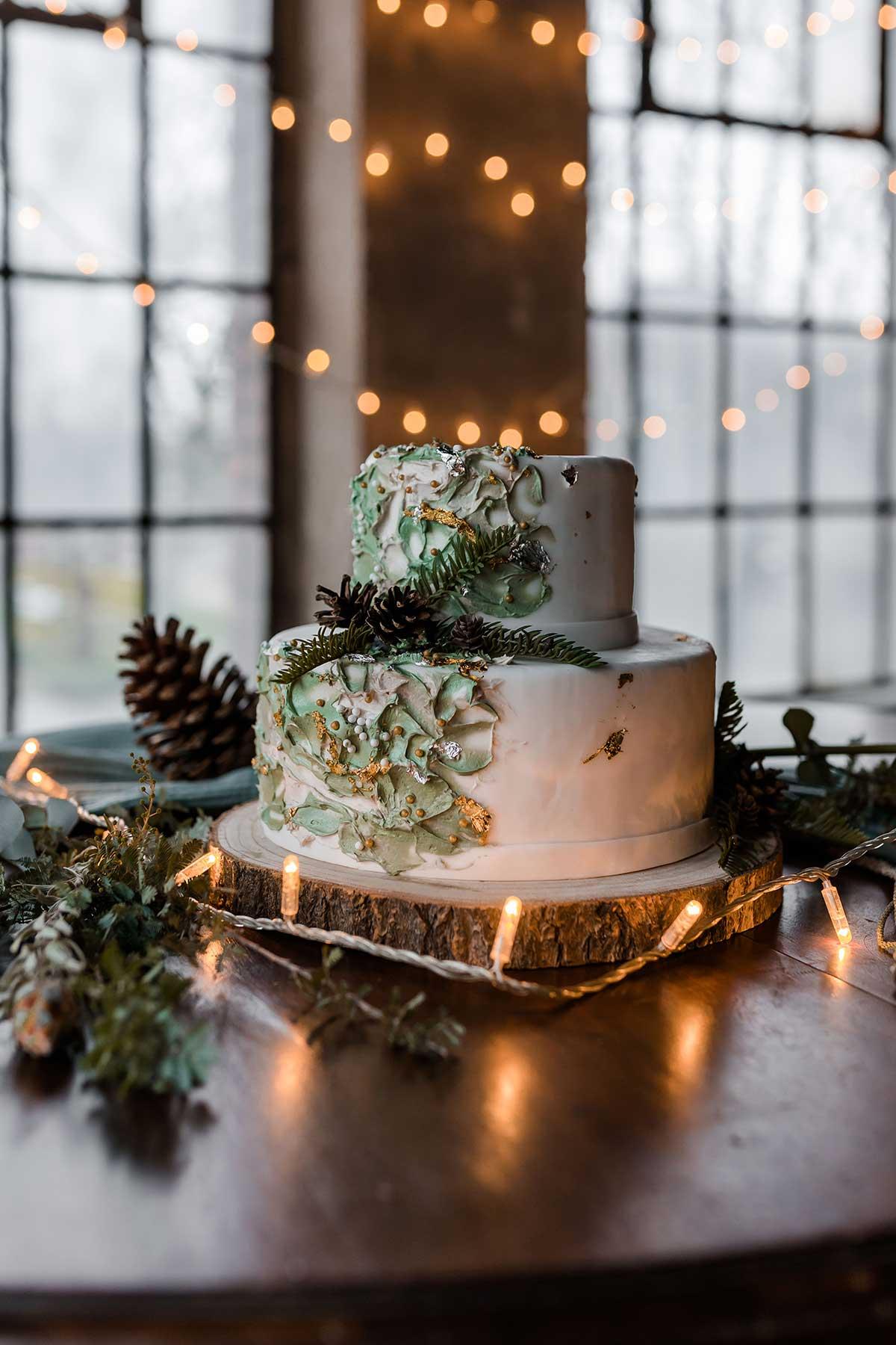 Hochzeitstorte passend zu einer Winter-Hochzeit