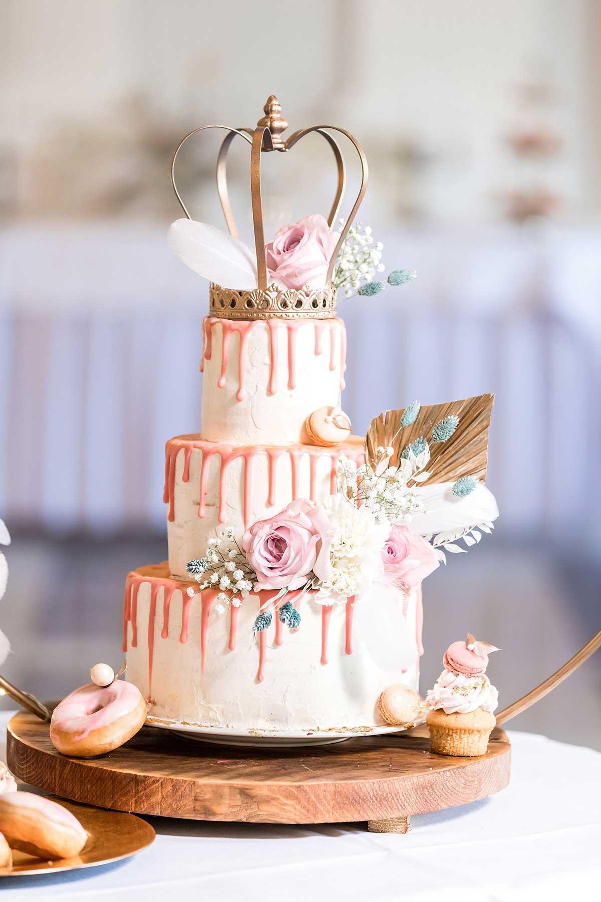 Hochzeitstorte für die Prinzessinnen Hochzeit wie im Märchen in der La Redoute Bonn