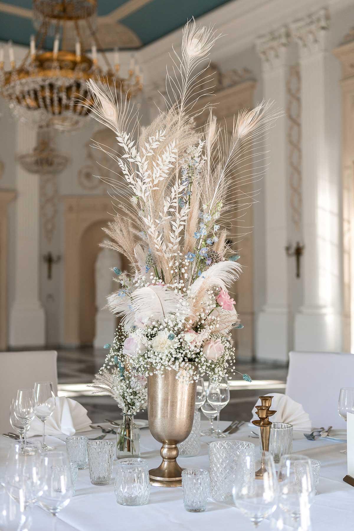 Pompöse Tischdeko für die Prinzessinnen Hochzeit