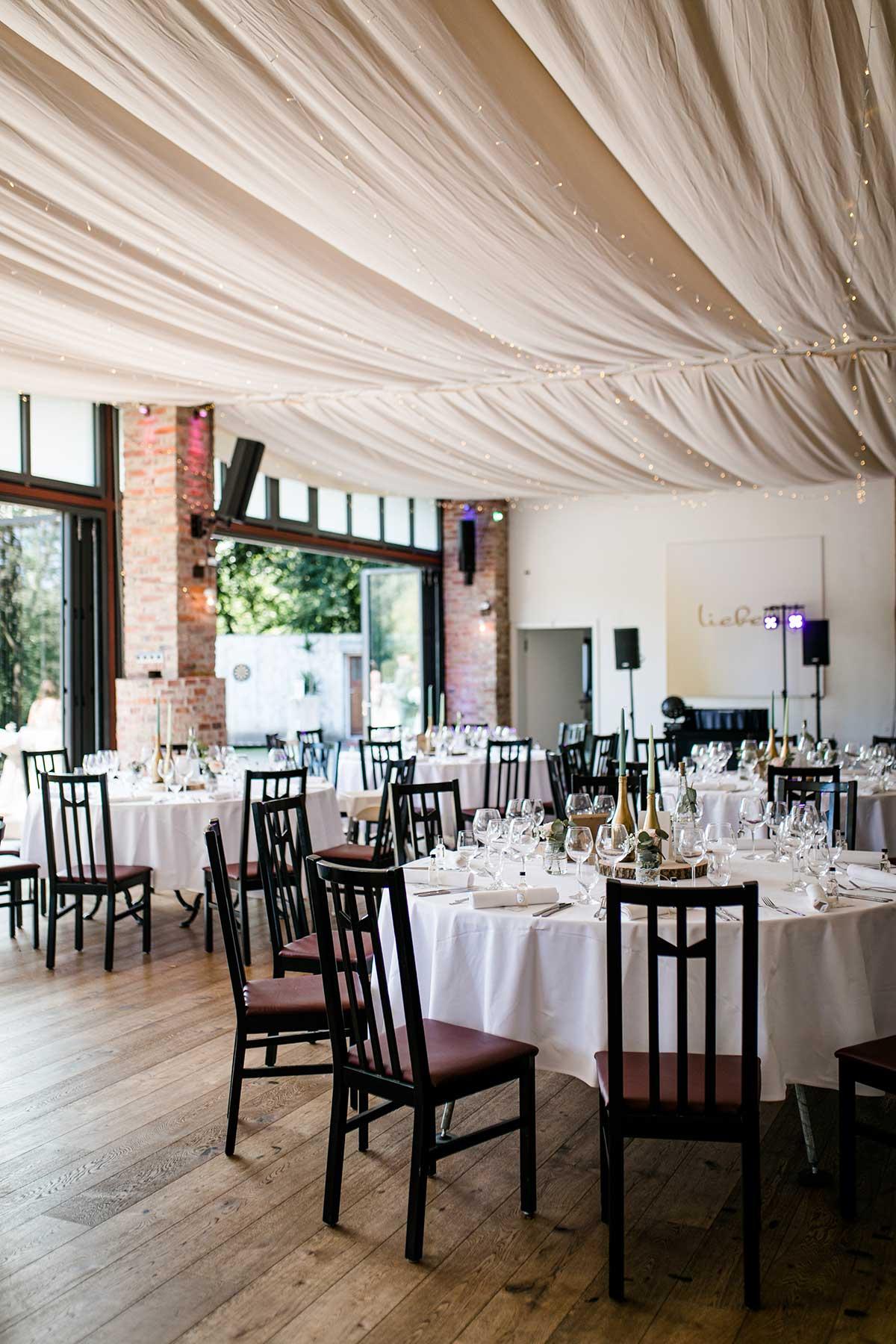 Raum für die Hochzeitsfeier auf Villa Hof Langenborn