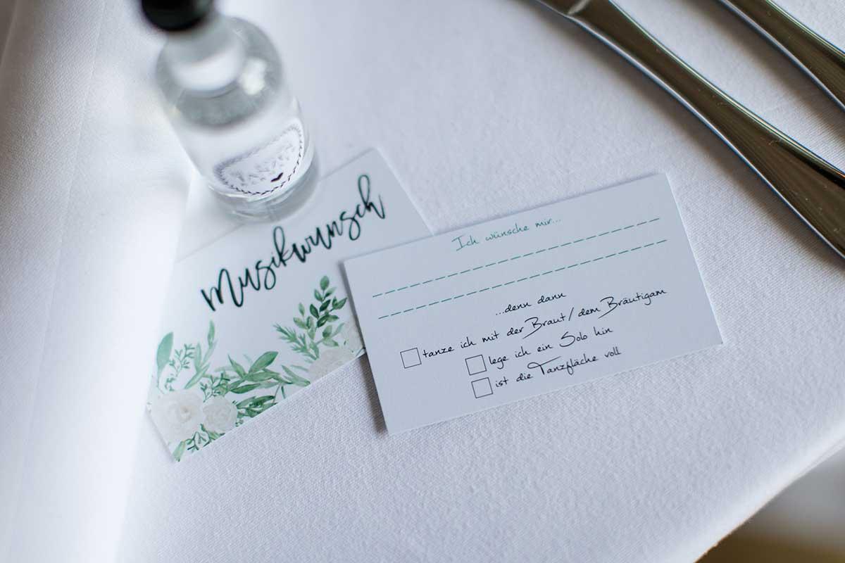 Musikwunschkarte bei der Hochzeitsfeier