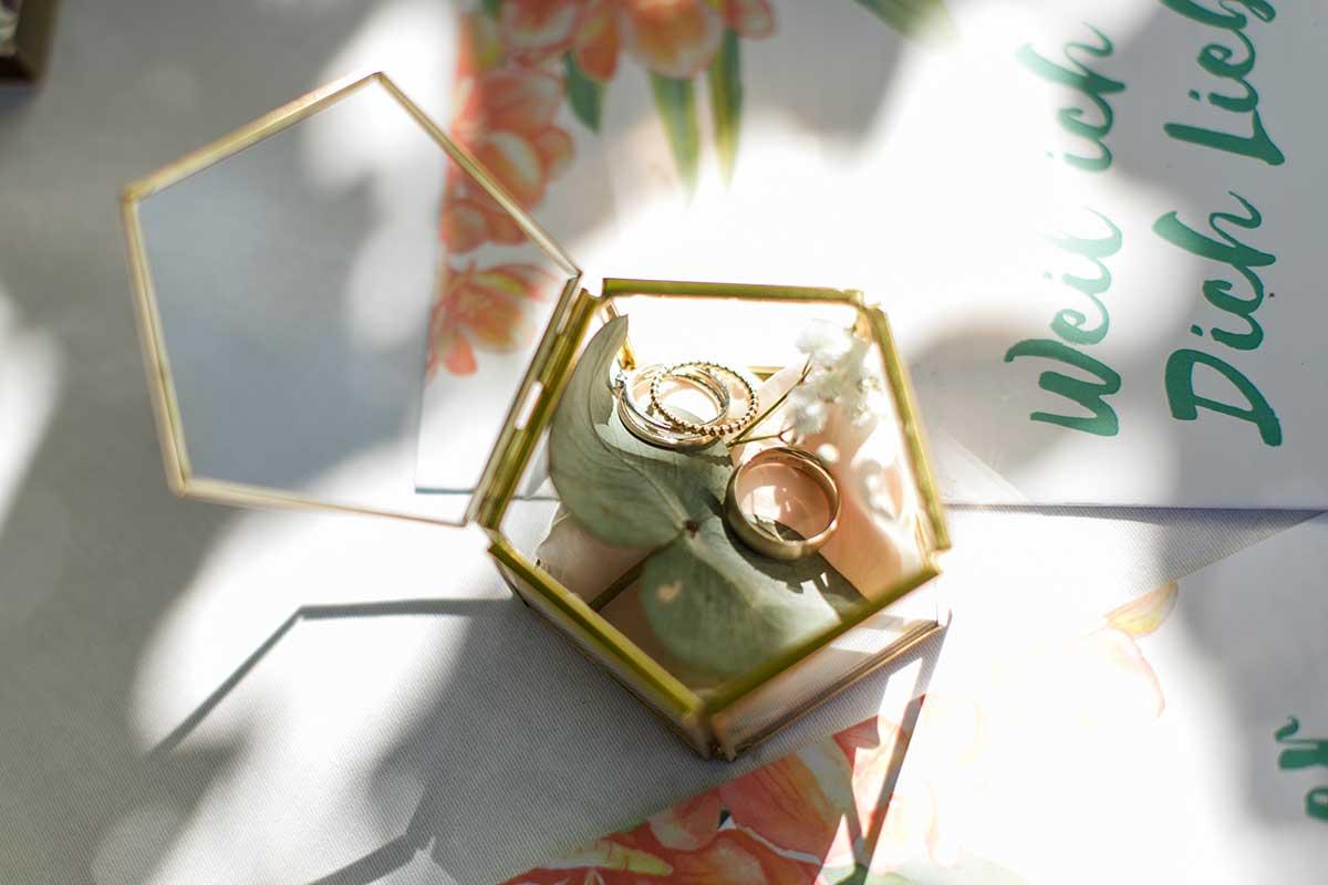 Ringbox aus Glas