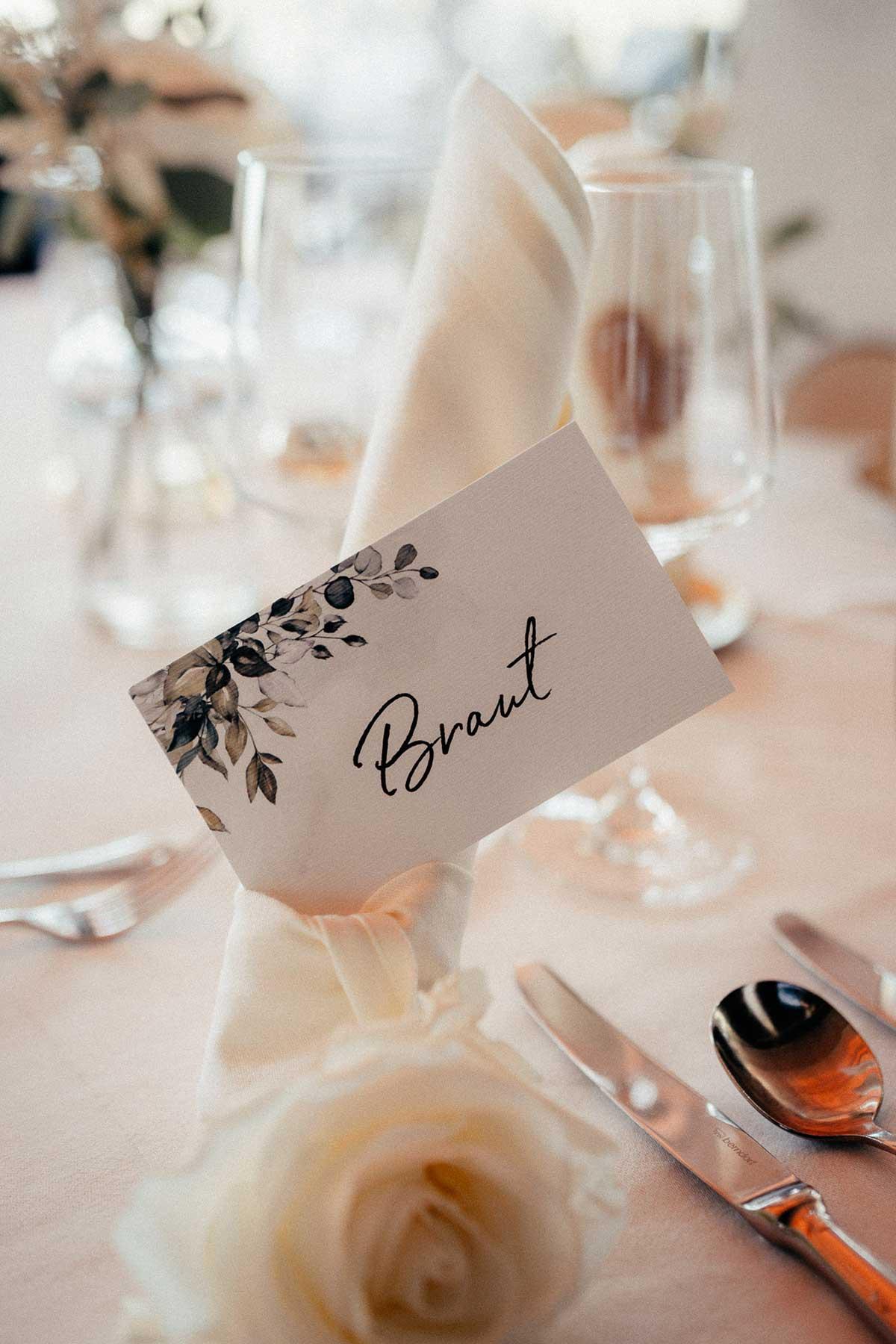 Namensschild passend zur Greenery Hochzeit