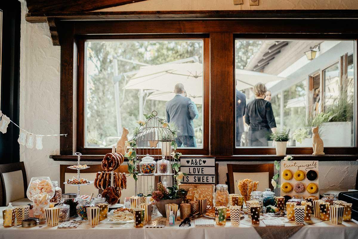 Sweet Table bei der Greenery Hochzeit
