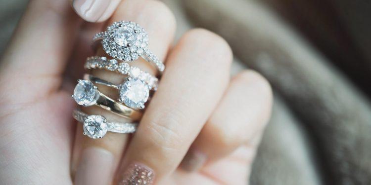 Lohnt sich ein Vorsteckring oder Beisteckring für die Braut?