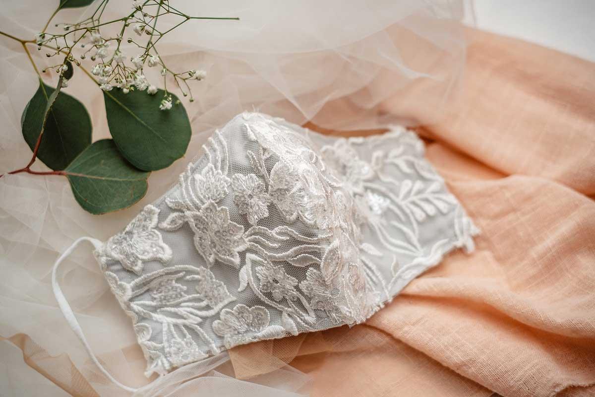 Mundschutz / Maske für die Braut