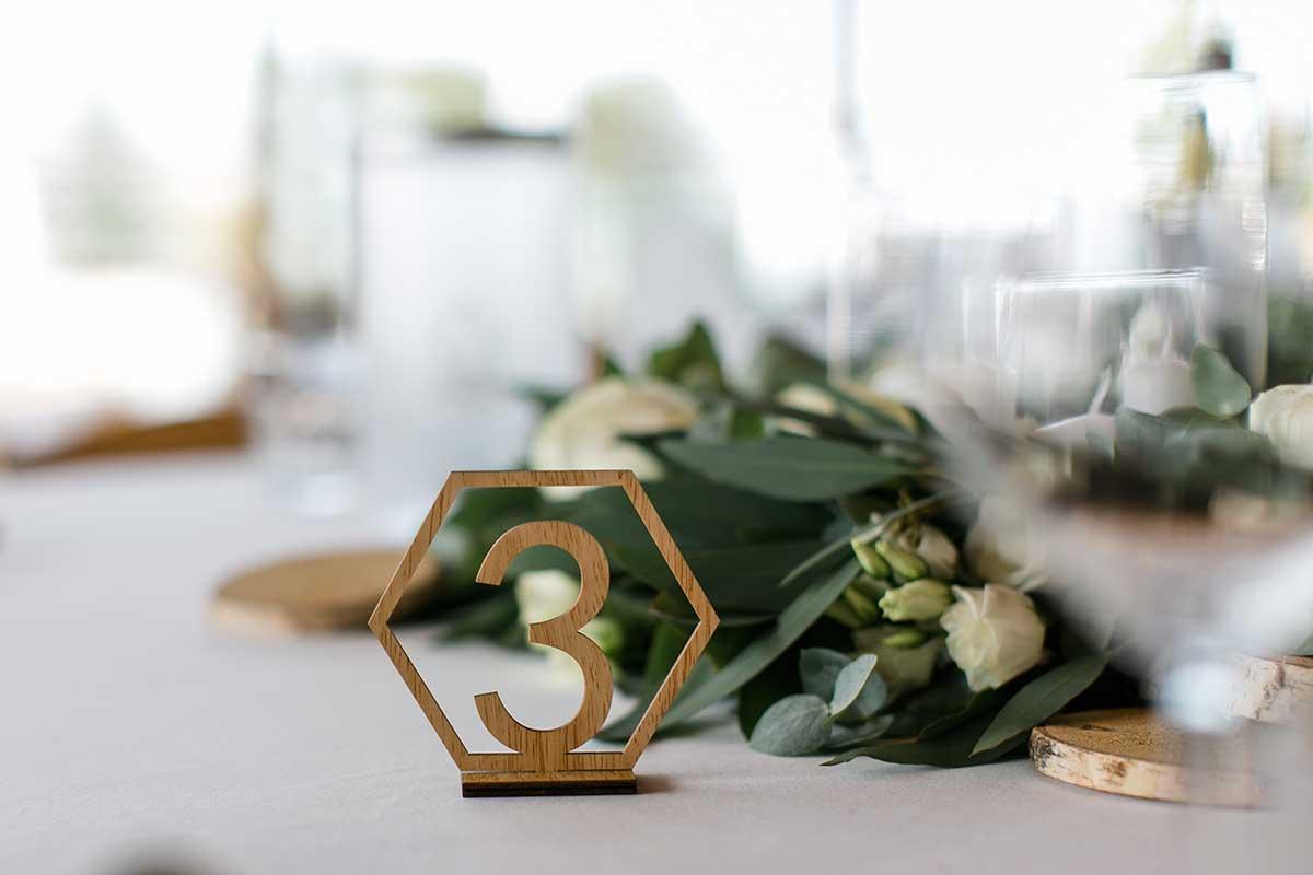 Tischnummer bei der Hochzeit