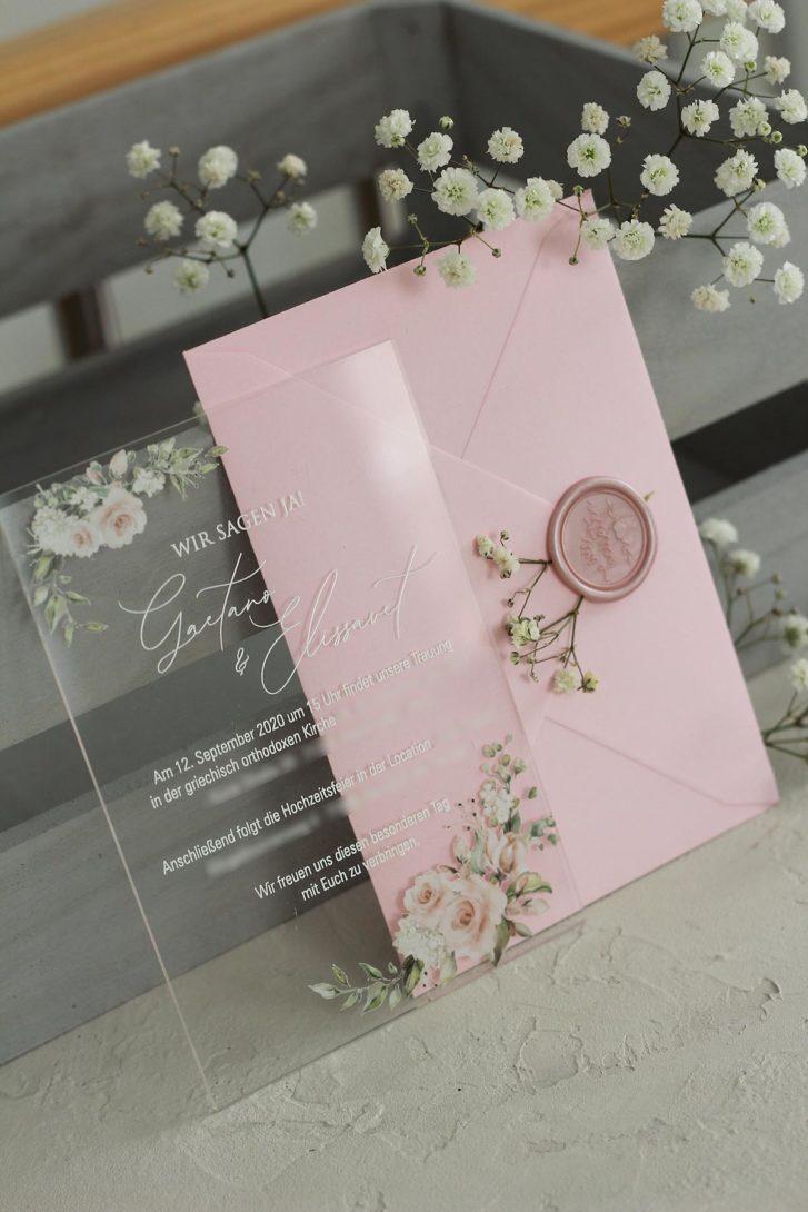 Acryl-Hochzeitseinladung mit Rosen
