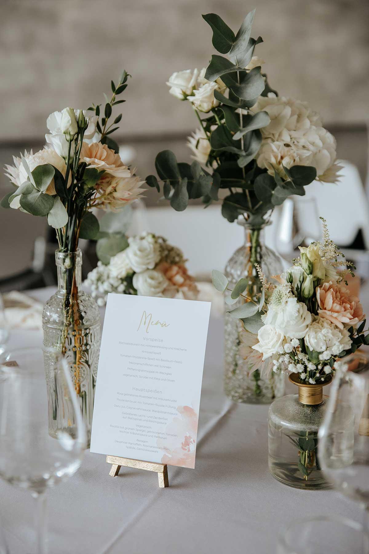 Menükarte bei der Hochzeit