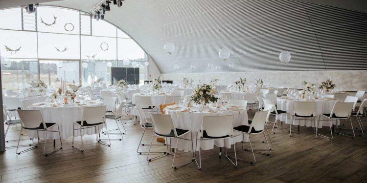 Elegante Hochzeit im Event Hangar E210