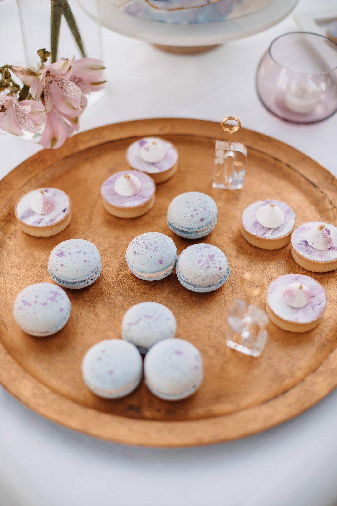Macarons und Tartletts als Hochzeitsnascherei