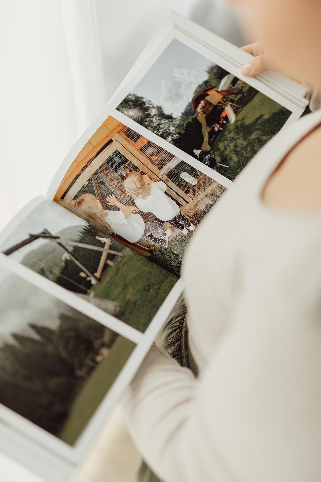 Fotobuch als Digitaldruck mit typischer Buchfalz