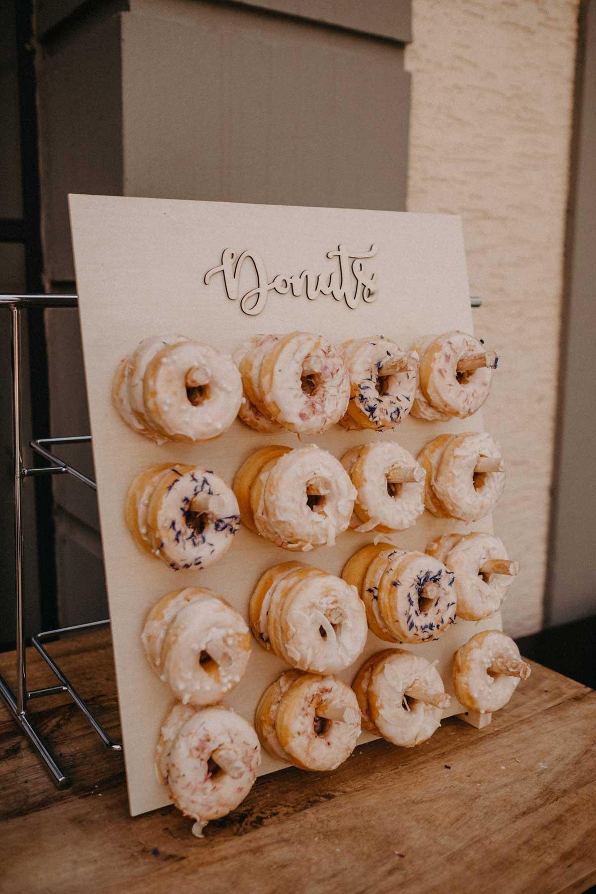 Donut Wall bei der Hochzeit